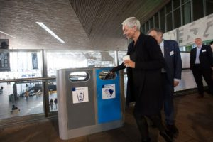 afval scheiden op het station - afvalbakken