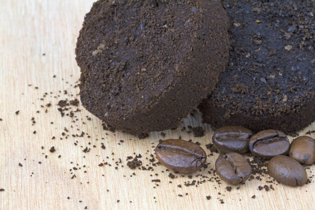 Koffiedik In Tuin : Koffiedik over gebruik het voor deze dingen
