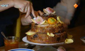 Yvette van Boven maakt een broodpuddingtaart van oud brood