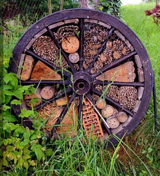 Upcyclen wiel tot bijenhotel