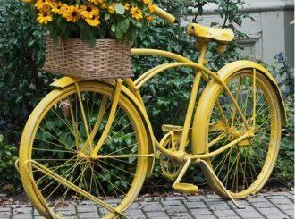 Upcyclen fiets tot plantenbak en art