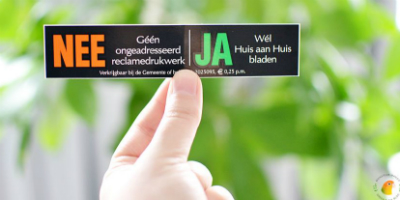 nee/ja sticker