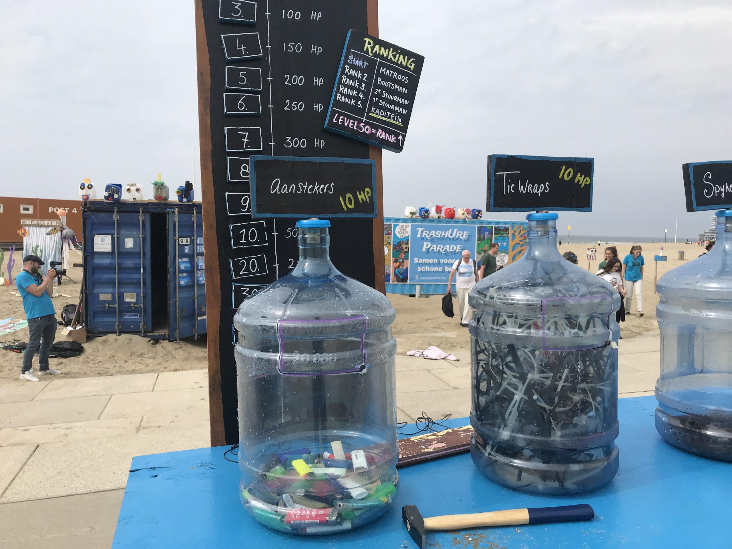 verzameld afval van het strand